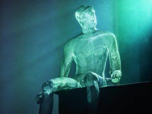 Sculptor Nikki Taylor made artwork for the set