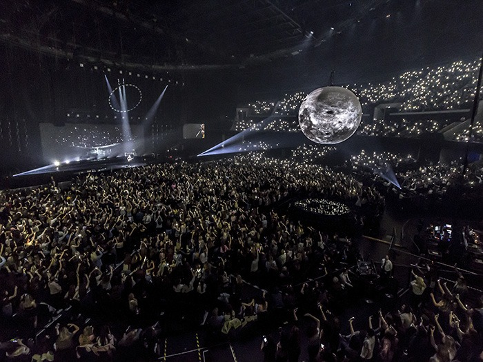 Airstar Supports Shawn Mendes For His Illuminate World