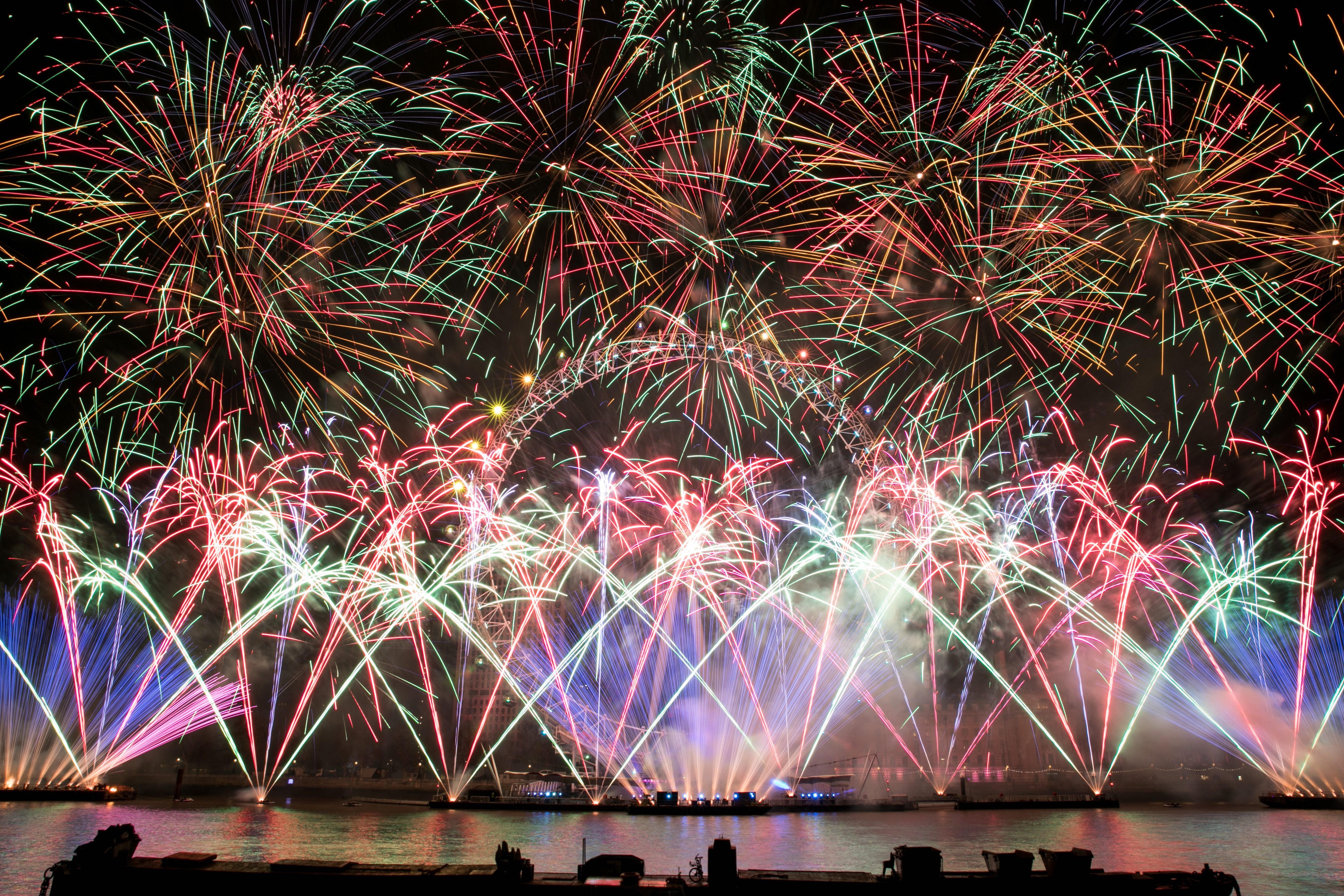 Clay Mythos 2 Lights Up London S Official New Year
